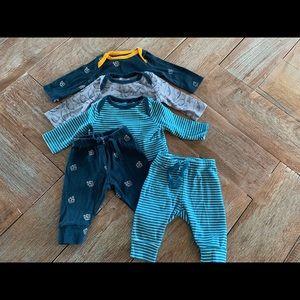 Gap baby bodysuits w/matching pants